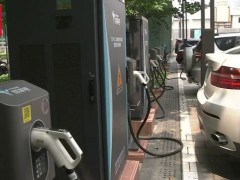 """【趣充电】车,一桩难求!桩,没车来用!新能源车充电""""堵点""""究竟在哪?"""
